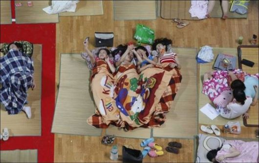 Chinese Students Escape The Summer Heat