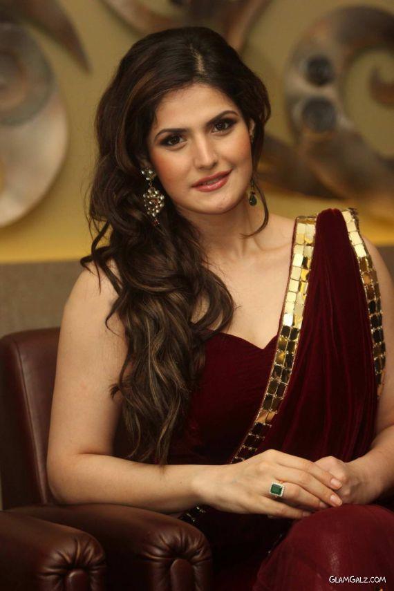 Zarine Khan At The India Wedding Lounge
