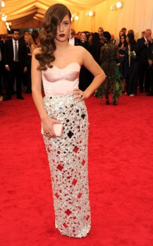 Gorgeous Adele Exarchopoulos At 2014 Met Gala