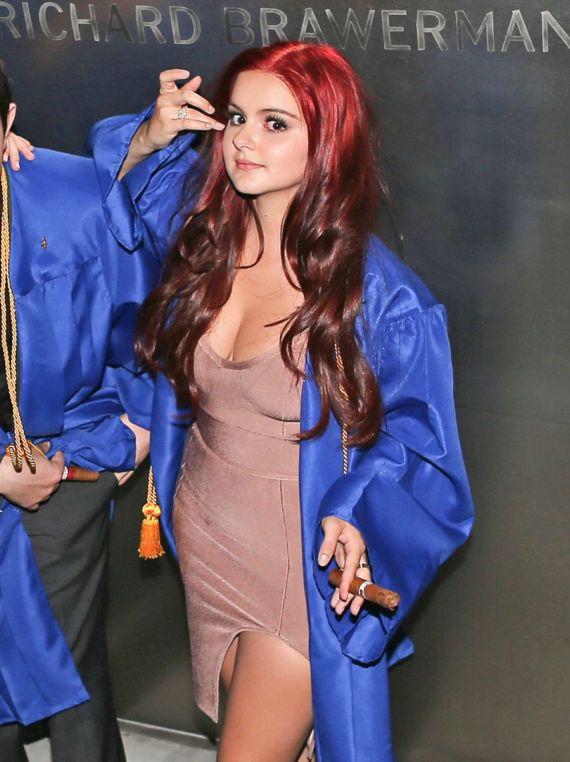 Ariel Winter Celebrates Her High School Graduation