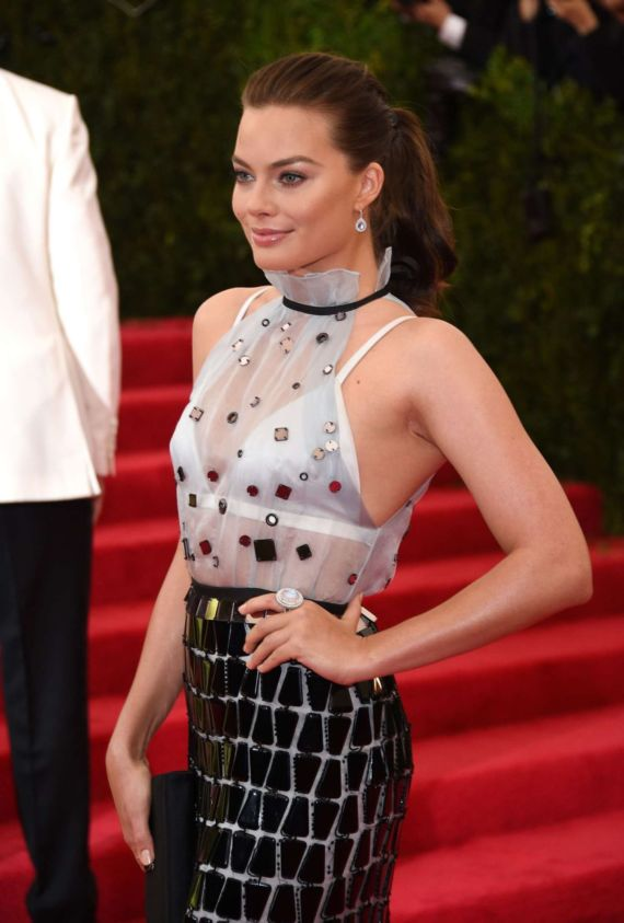 Margot Robbie At The 2014 Met Gala In NY