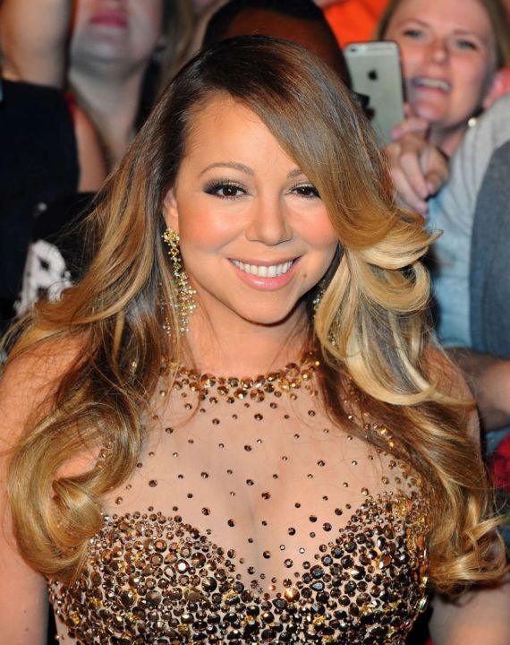 Mariah Carey Makes Grand Entrance In Las Vegas