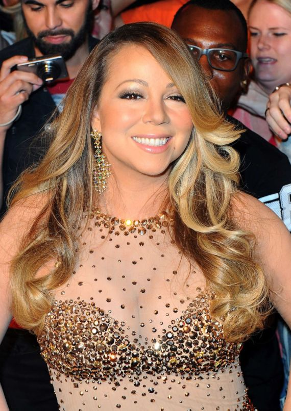 Mariah Carey Makes Grand Entrance In Las Vegas