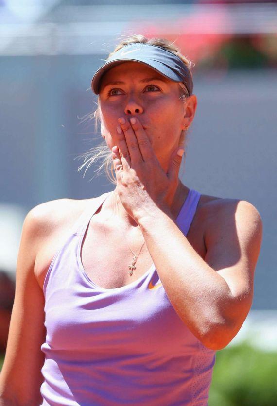 Maria Sharapova Playing 2014 Mutua Madrid Open