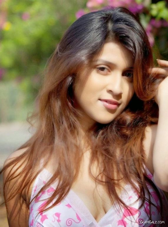 Mannara Chopra To Show Her Comic Side