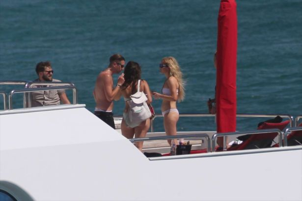 Ellie Goulding On A Yacht In Miami