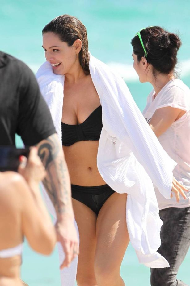 Kelly Brook On A Vacation In Miami Beach